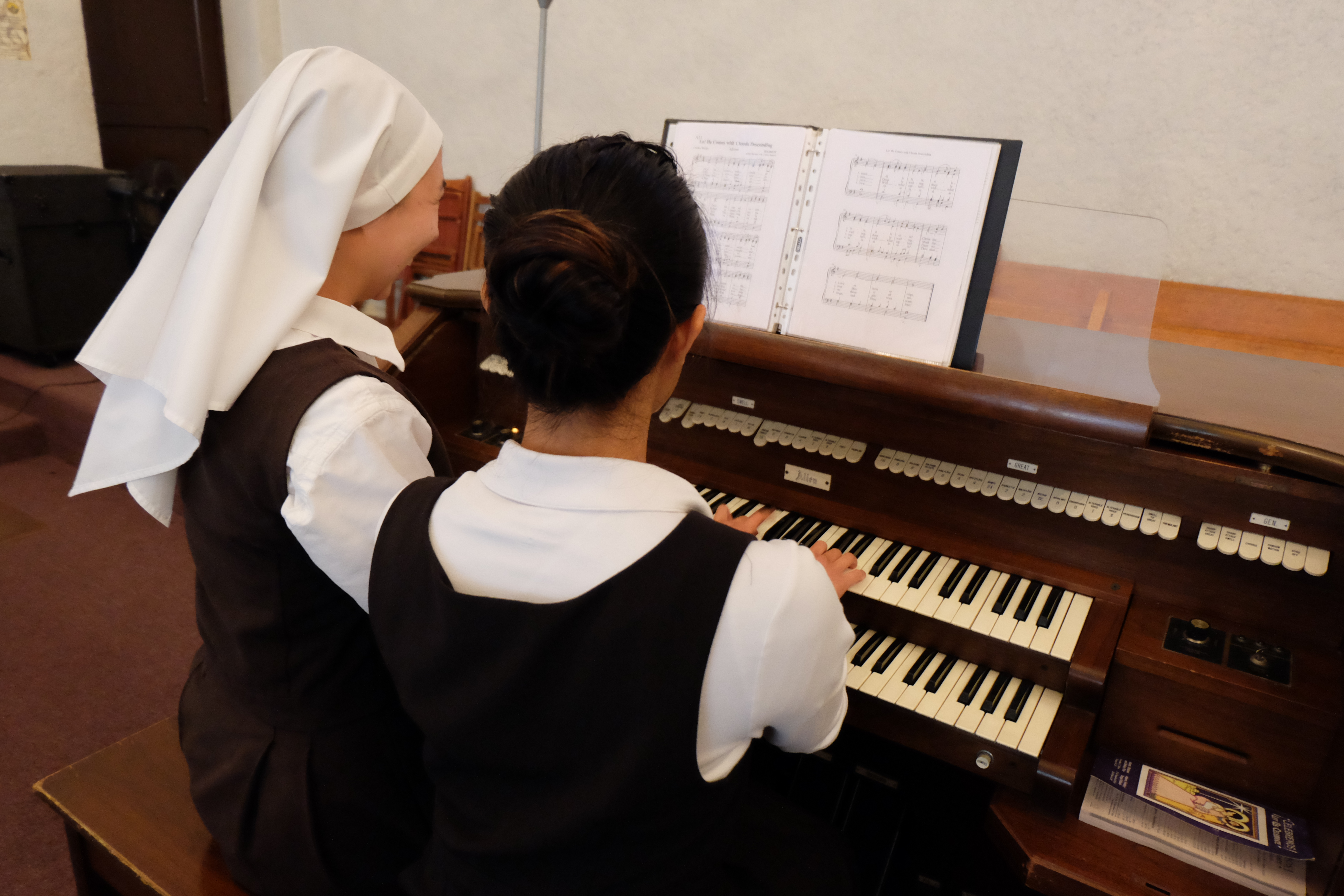 Hanna & Candice practicing the organ